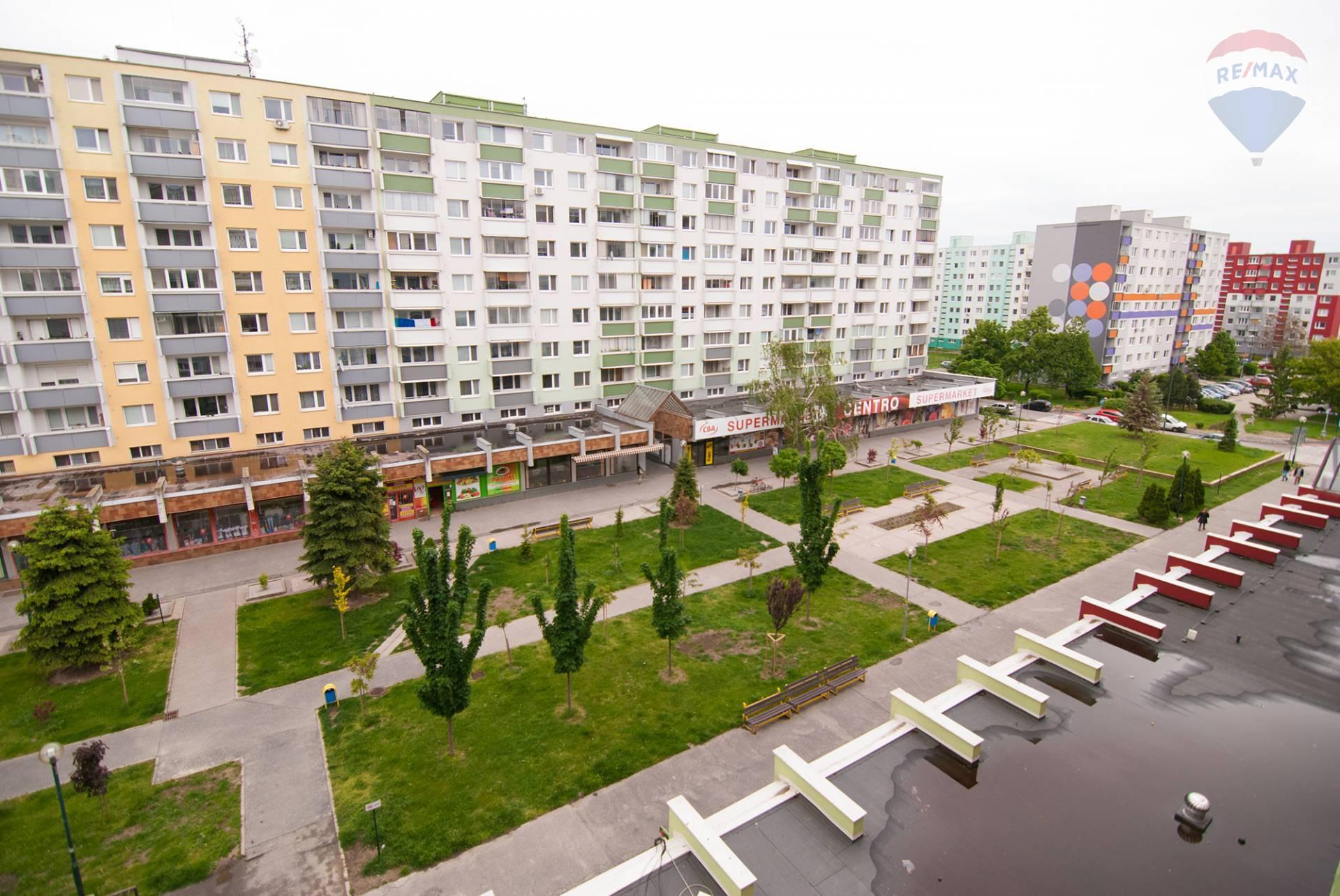 ❗❗1 IZBOVÝ BYT❗❗NA PRENÁJOM 1 izbový byt na pešej zóne vo Vrakuni