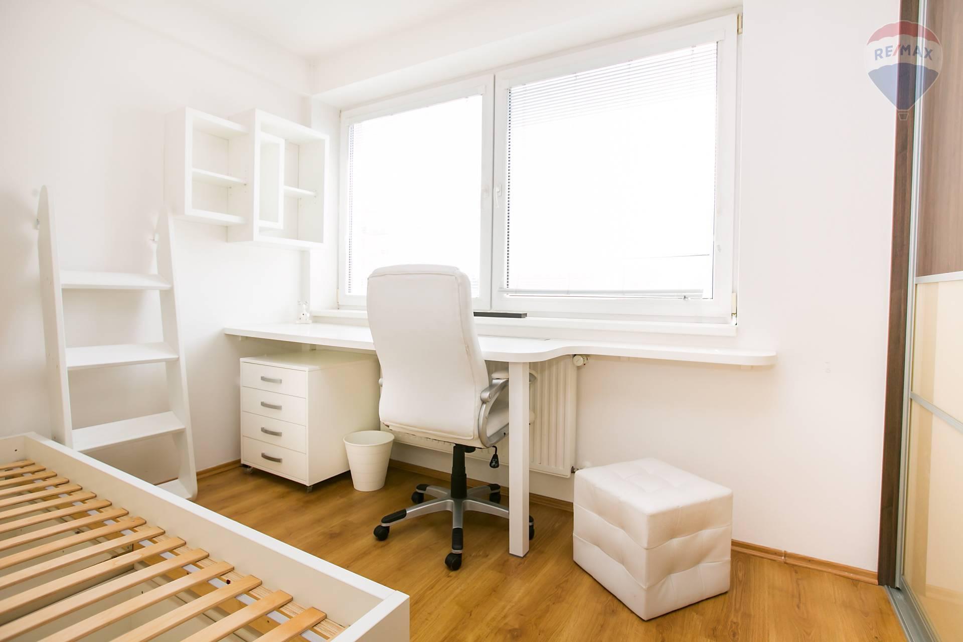 Prenájom bytu (2 izbový) 48 m2, Bratislava - Podunajské Biskupice - detská izba