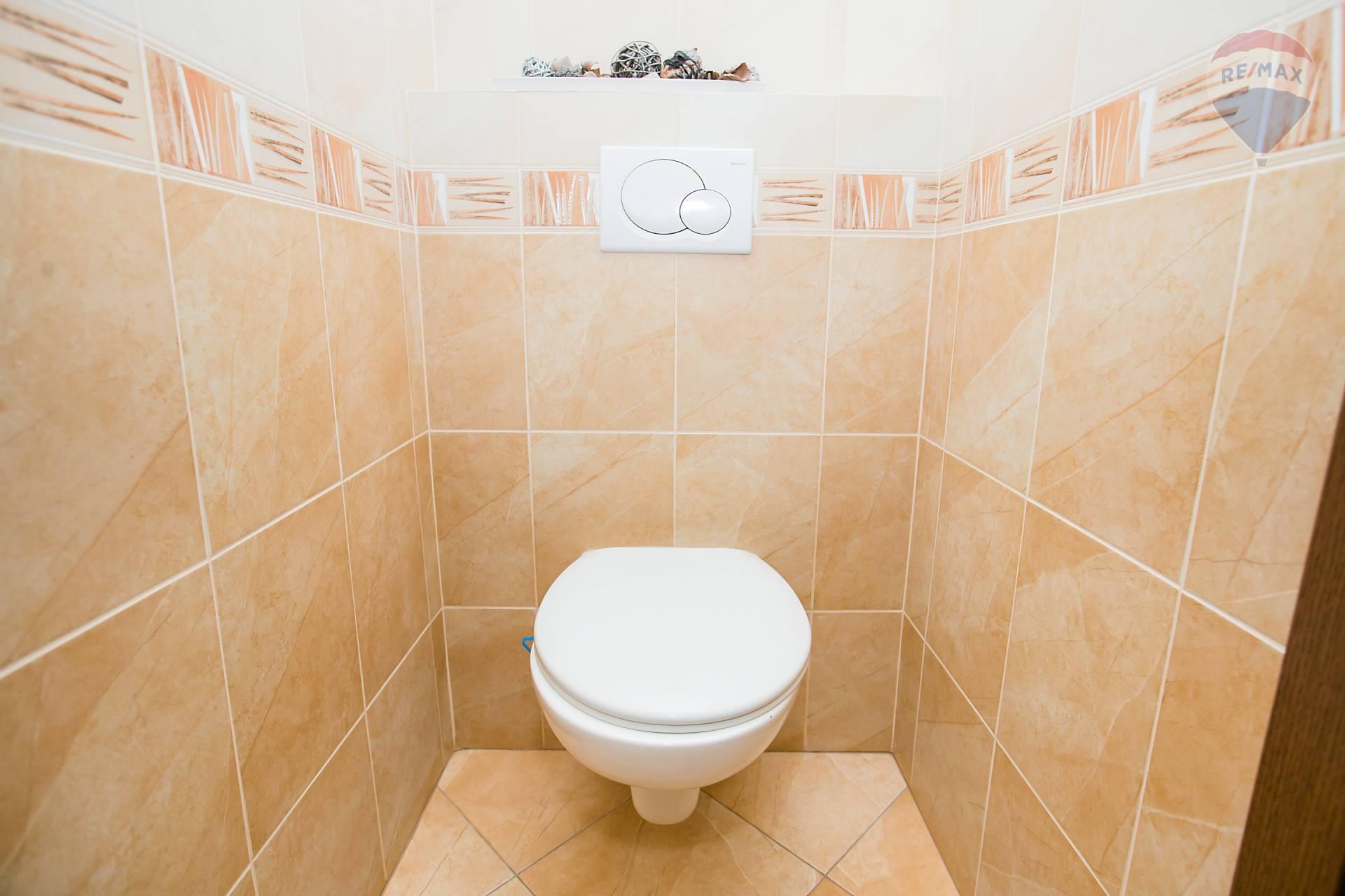 Prenájom bytu (2 izbový) 48 m2, Bratislava - Podunajské Biskupice - WC