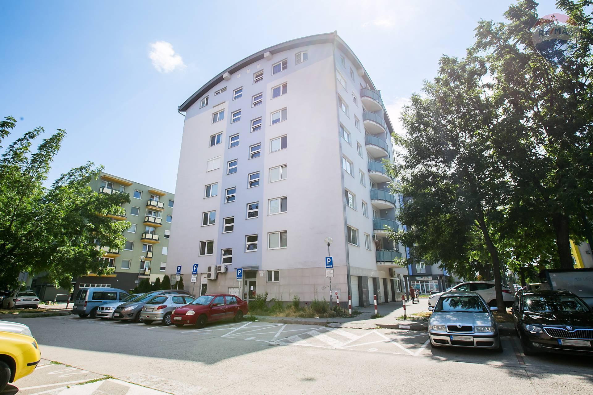 Prenájom bytu (2 izbový) 48 m2, Bratislava - Podunajské Biskupice - bytový dom