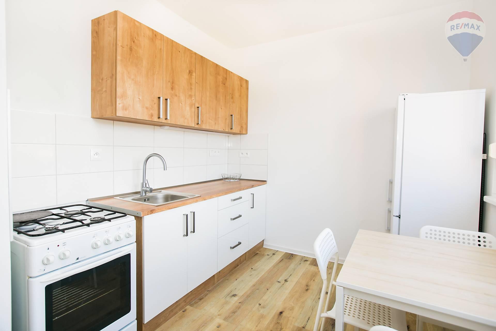 ❗❗KOMPLETNÁ REKONŠTRUKCIA❗❗NA PRENÁJOM 3 izbový byt s loggiou