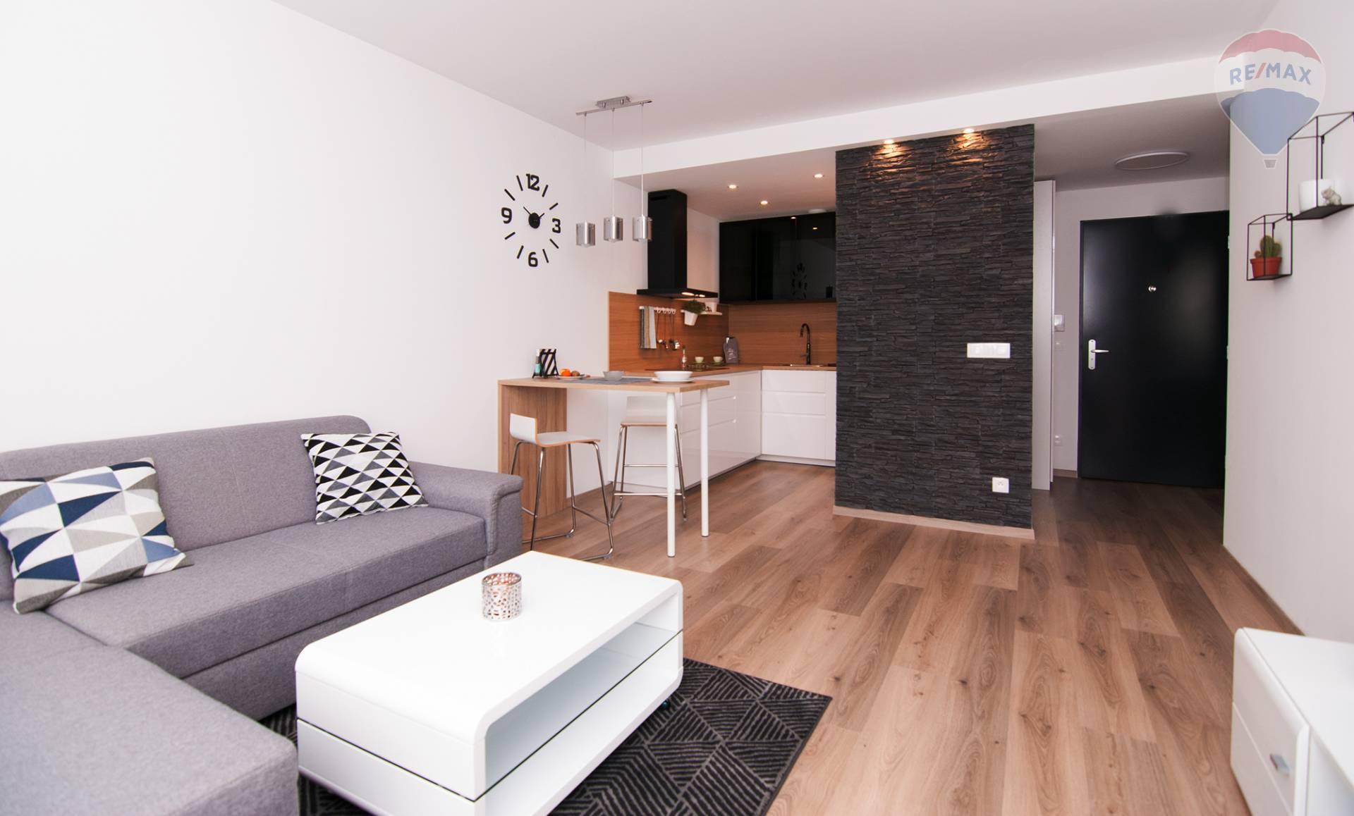 ❗❗NOVOSTAVBA❗❗Na prenájom krásny 2 izbový byt s loggiou a parkovaním