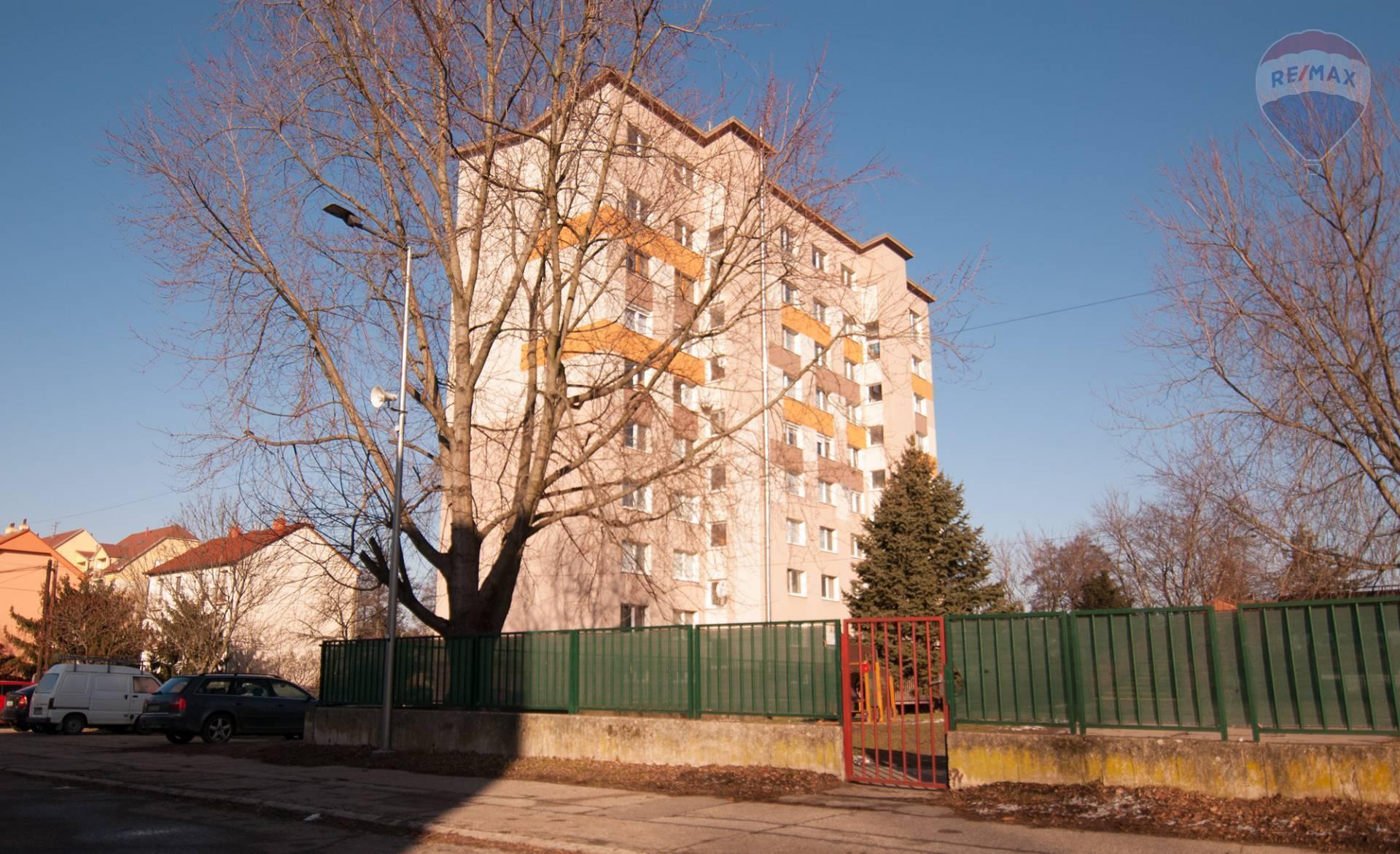 Na predaj 2-izbový byt v Stupave
