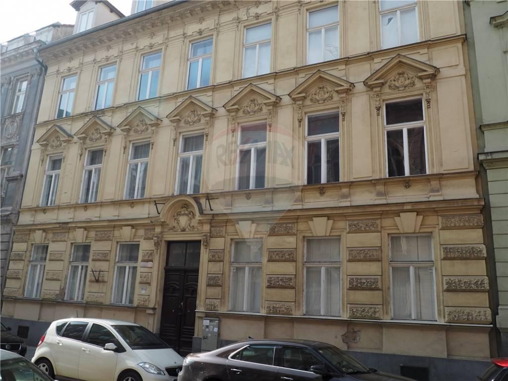 Prenájom lukratívnych  kancelárskych priestorov, Sládkovičova ulica, Bratislava