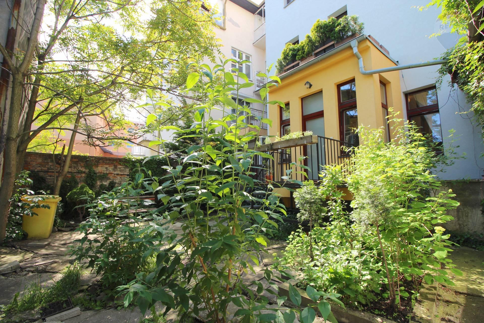 Na predaj pekný 1 izbový byt orientovaný do dvora v Starom meste.