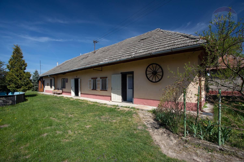 NA PREDAJ vidiecky dom v obci Hul