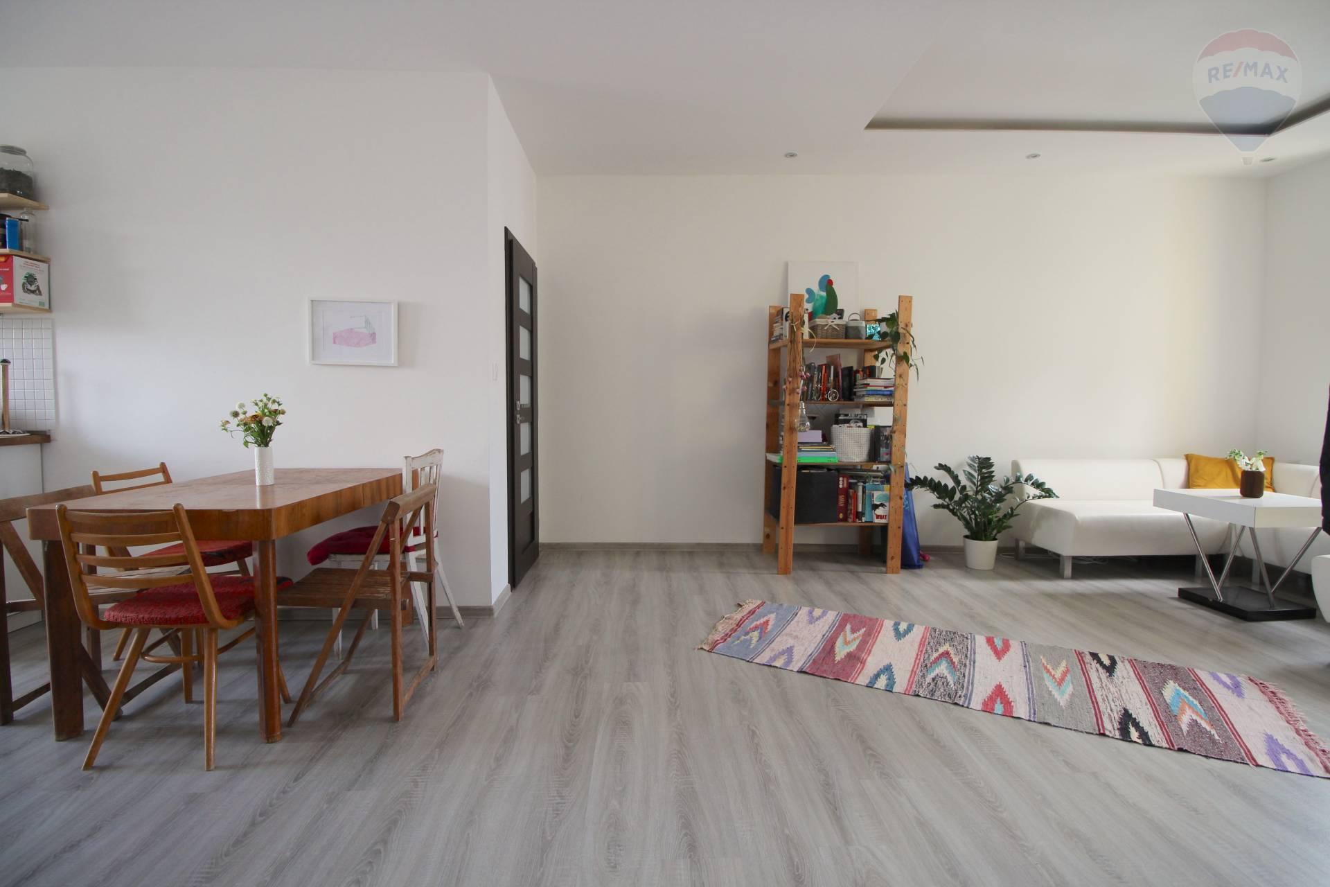 Na prenájom 3-izbový byt na Cukrovej ulici v Starom Meste.