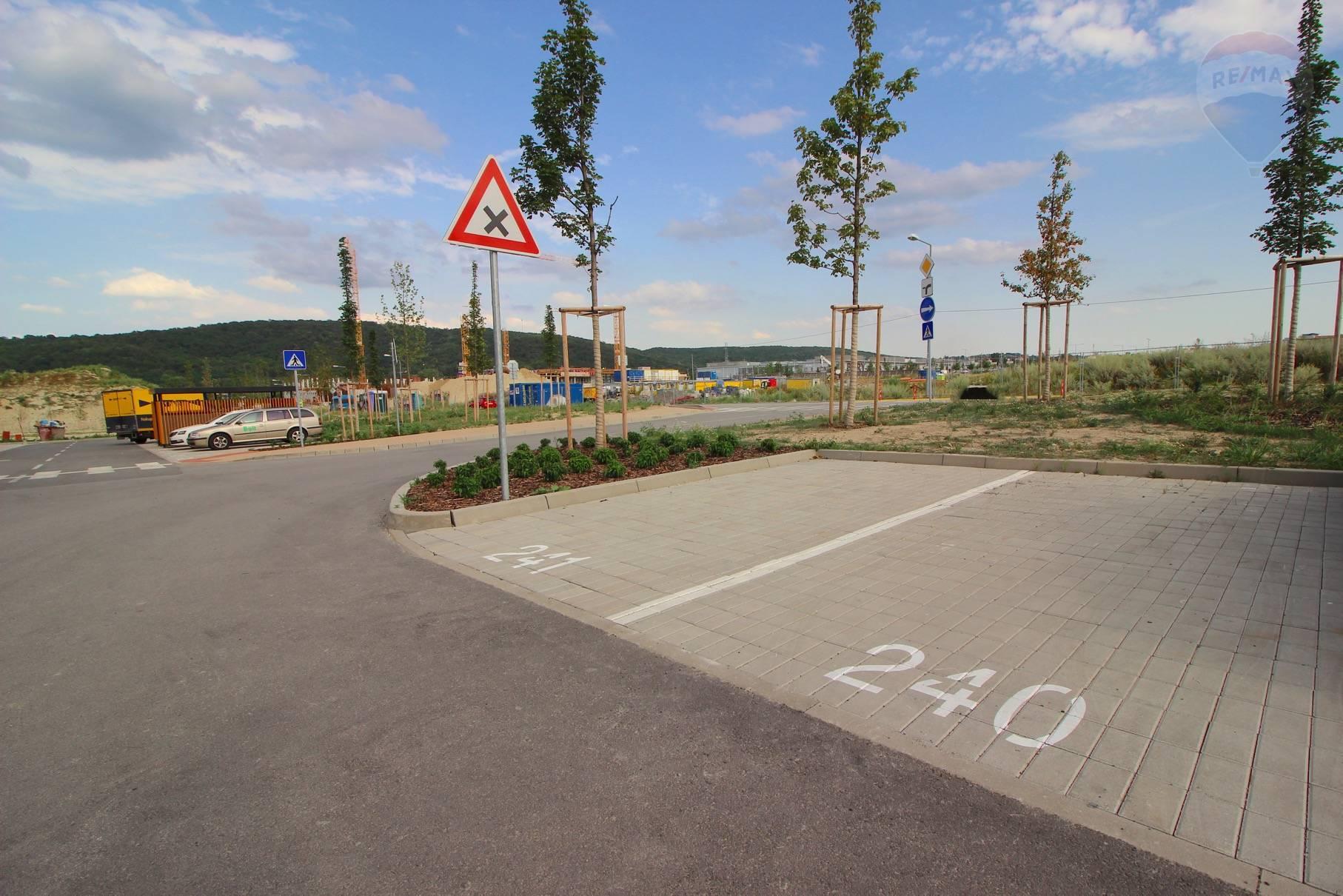 Prenájom bytu (2 izbový) 39 m2, Bratislava - Devínska Nová Ves - ŠTÝLOVÝ A MODERNÝ BYT V NOVOSTAVBE - EŠTE NEOBÝVANÝ - ZARIADENÝ - Bory Bývanie - Top ponuka - Parkovacie státie