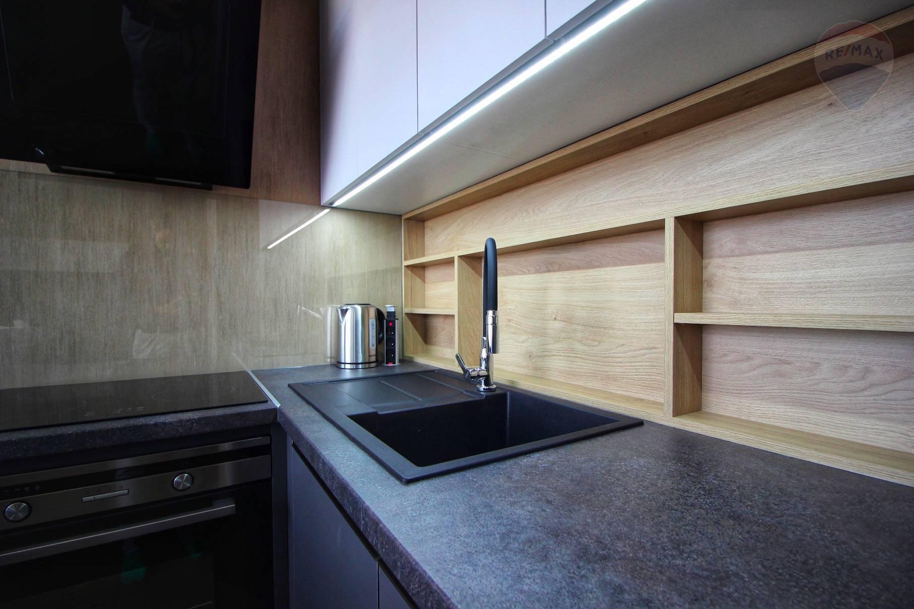 Prenájom bytu (2 izbový) 39 m2, Bratislava - Devínska Nová Ves - ŠTÝLOVÝ A MODERNÝ BYT V NOVOSTAVBE - EŠTE NEOBÝVANÝ - ZARIADENÝ - Bory Bývanie - Top ponuka - Kuchyňa