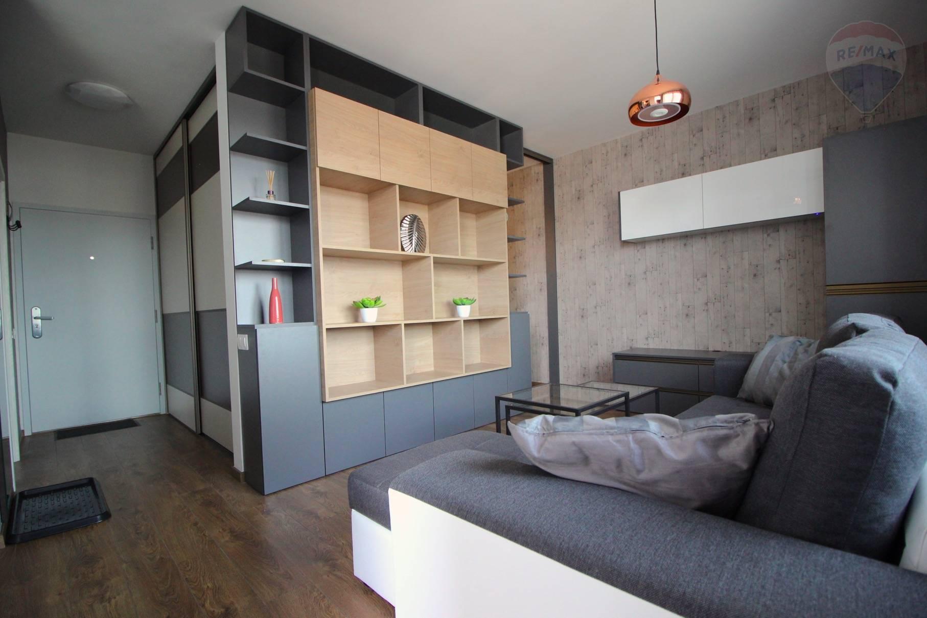 Prenájom bytu (2 izbový) 39 m2, Bratislava - Devínska Nová Ves - ŠTÝLOVÝ A MODERNÝ BYT V NOVOSTAVBE - EŠTE NEOBÝVANÝ - ZARIADENÝ - Bory Bývanie - Top ponuka - Obývacia izba