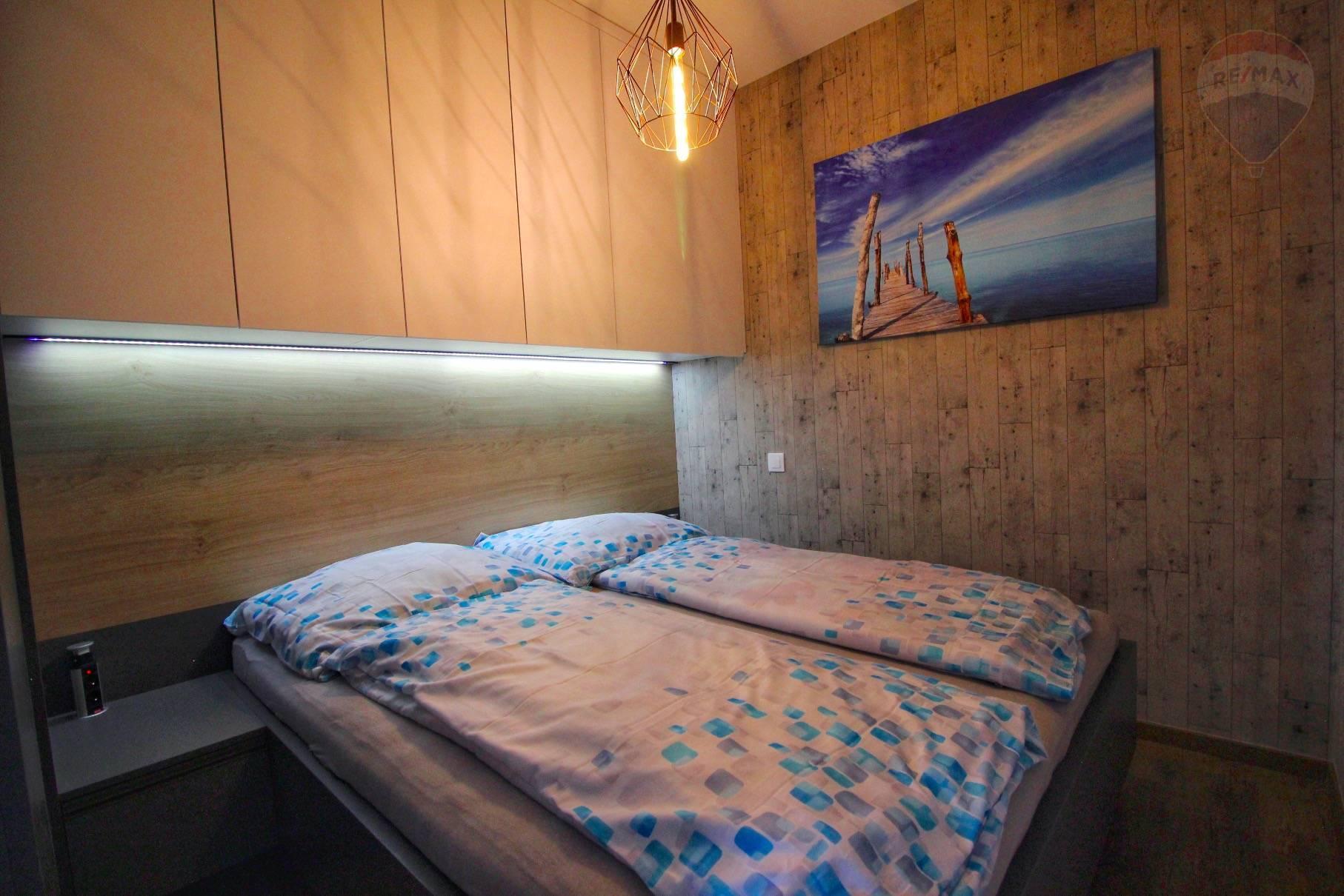Prenájom bytu (2 izbový) 39 m2, Bratislava - Devínska Nová Ves - ŠTÝLOVÝ A MODERNÝ BYT V NOVOSTAVBE - EŠTE NEOBÝVANÝ - ZARIADENÝ - Bory Bývanie - Top ponuka - Spálňa