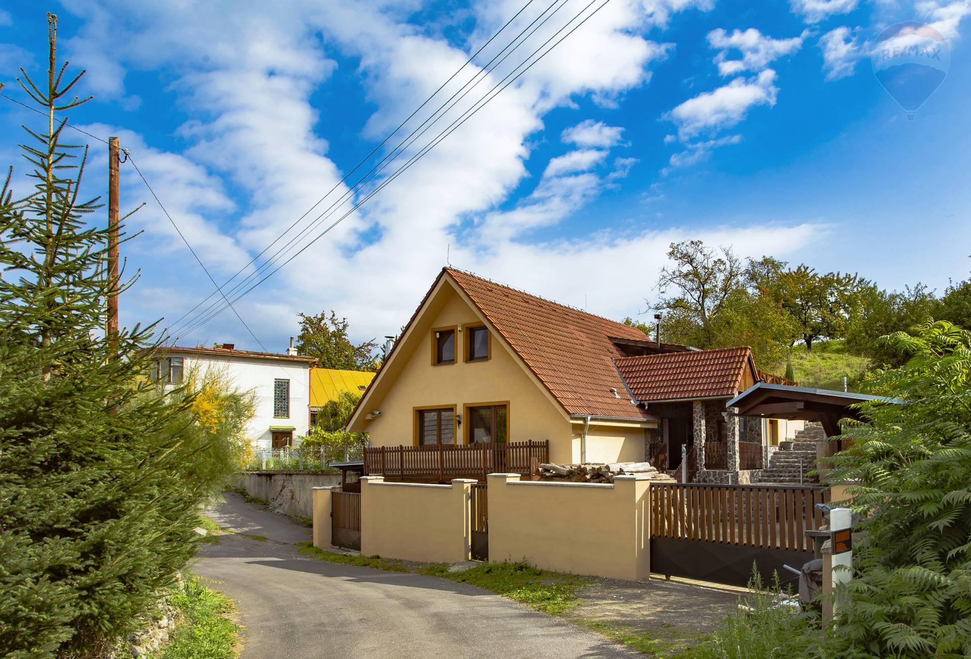 PREDAJ: Nadštandardná chata neďaleko Počúvadlianskeho jazera200m2,obec Počúvadlo-Banská Štiavnica