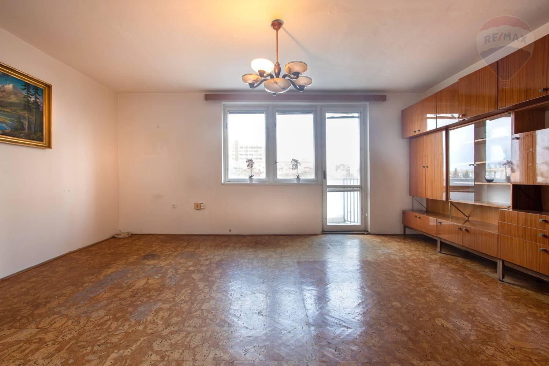 Predaj bytu (3 izbový) 70 m2, Bratislava - Ružinov - TOP PREDAJ - SKVELÉ BÝVANIE - 2,5-izb. byt v Ružovej Doline - BA II2