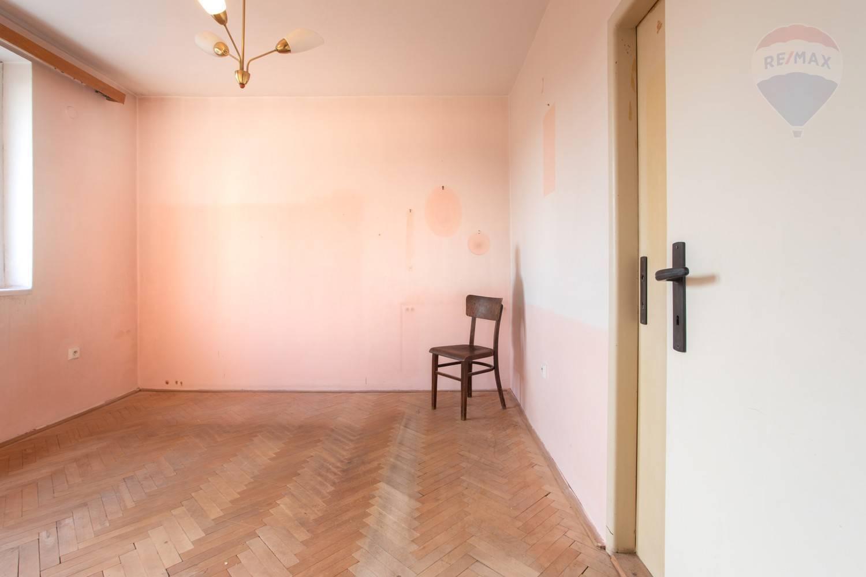 Predaj bytu (3 izbový) 70 m2, Bratislava - Ružinov - TOP PREDAJ - SKVELÉ BÝVANIE - 2,5-izb. byt v Ružovej Doline - BA II4