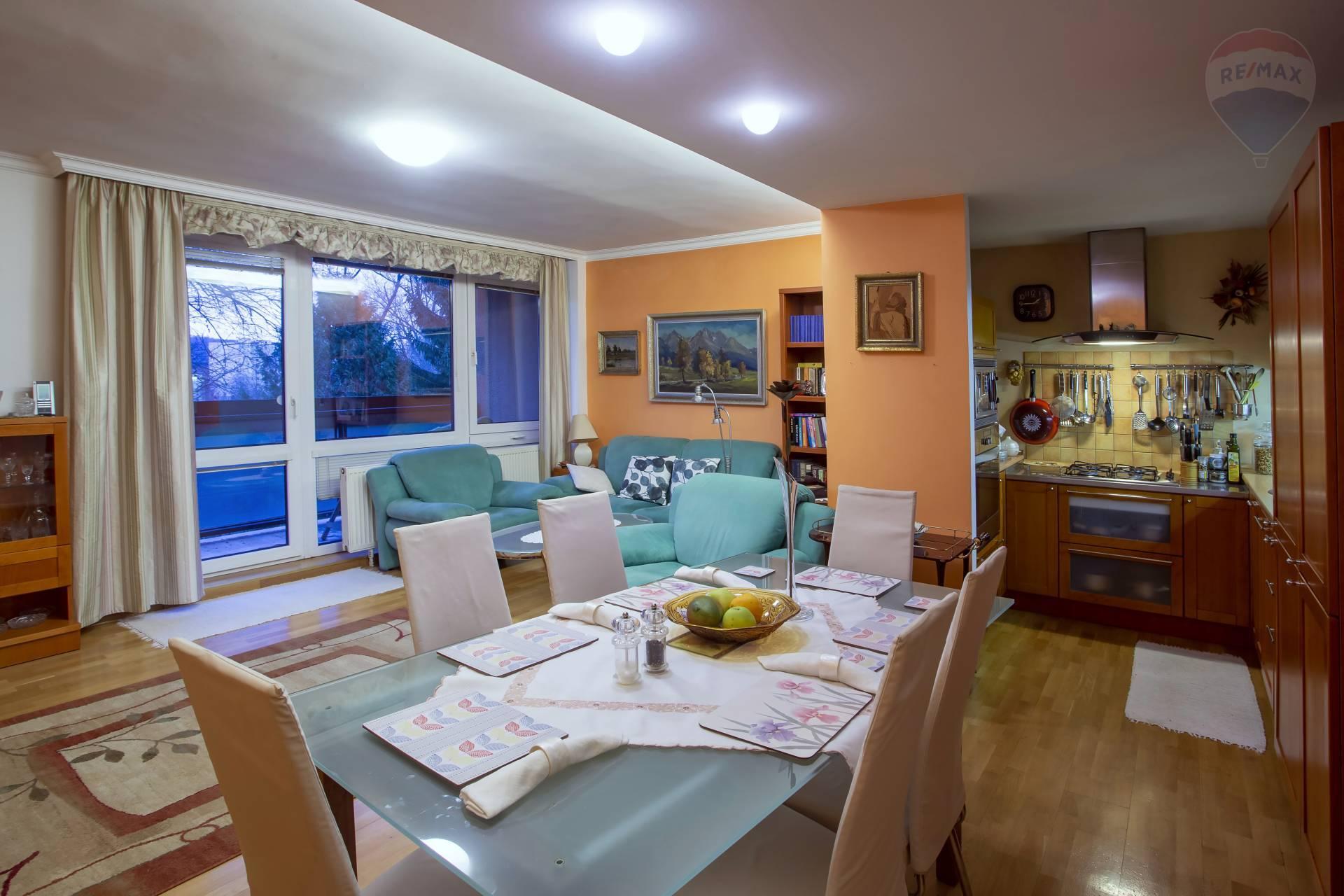 PREDAJ: Nadštandardný zrekonštruovaný 4-izbový byt 92m2, Kimovská ulica, Zvolen-centrum