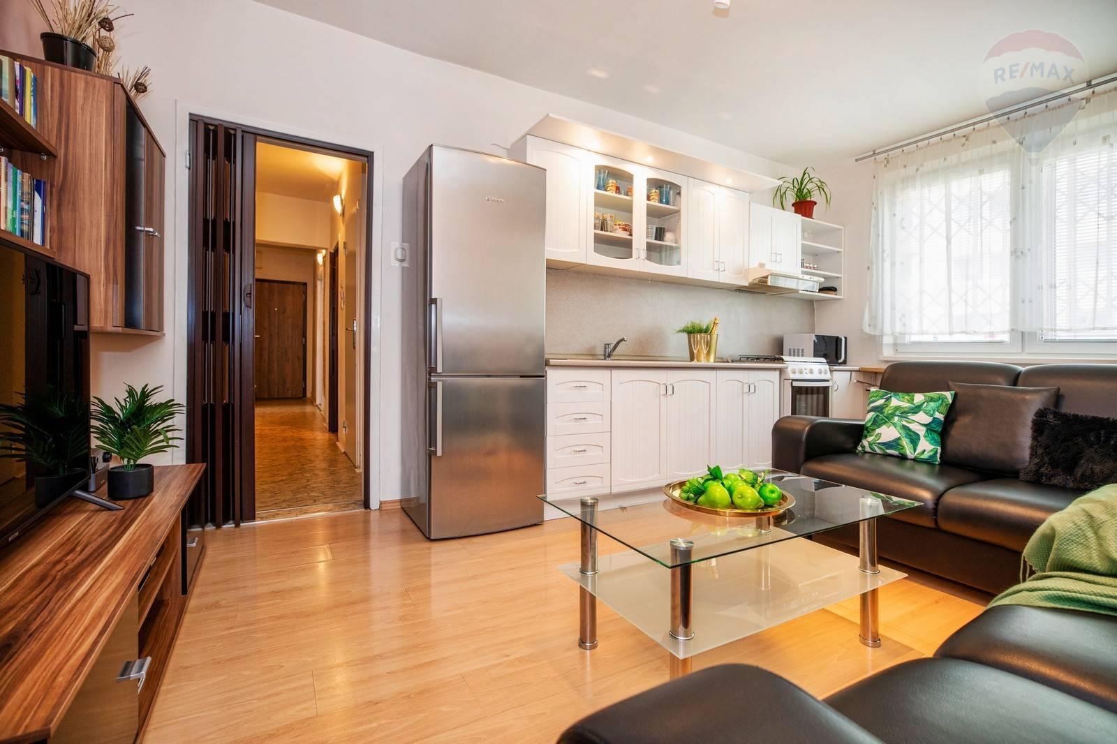PREDAJ: 2 izbový byt prerobený na 3 izbový, Vrakuňa, Čiernovodská ulica