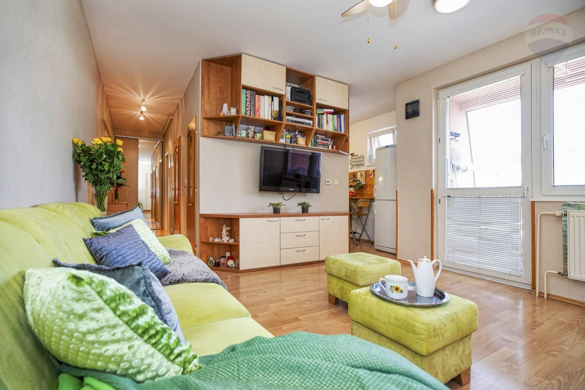 PREDAJ: 2 izbový byt, Latorická ulica, Podunajské Biskupice