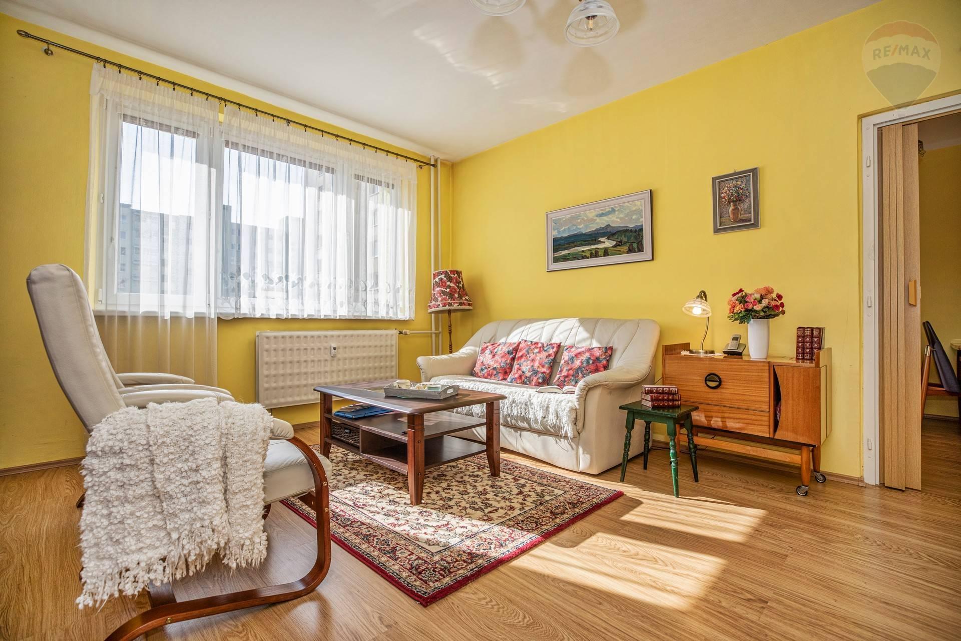 PREDAJ: 3 izbový byt, Na Hlinách, čiastočná rekonštrukcia