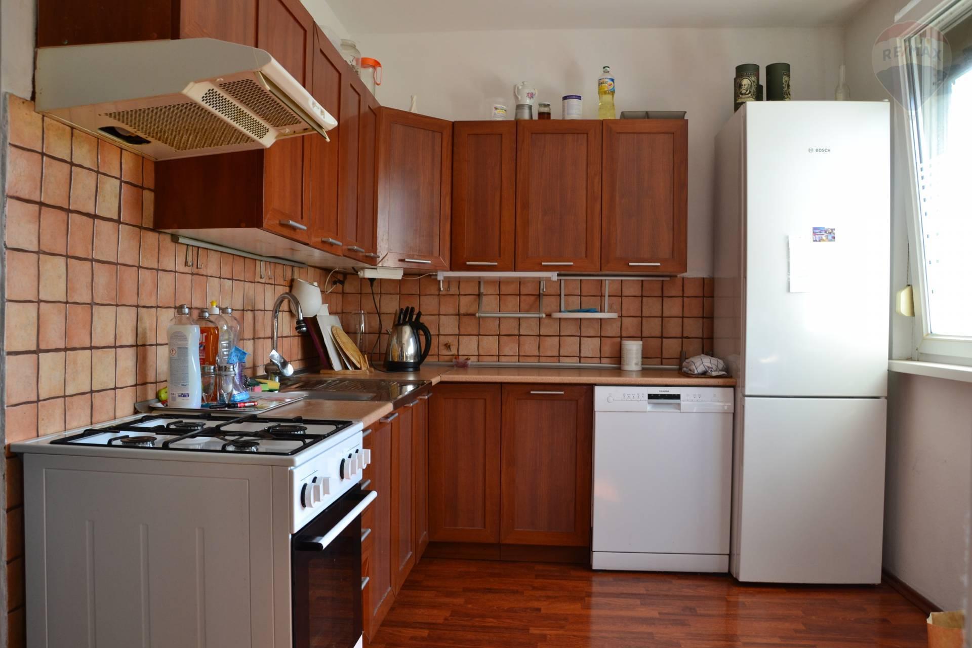 4 izbový byt Bodrocká -  ZABEZPEČUJEME CHRÁNENÉ OBHLIADKY