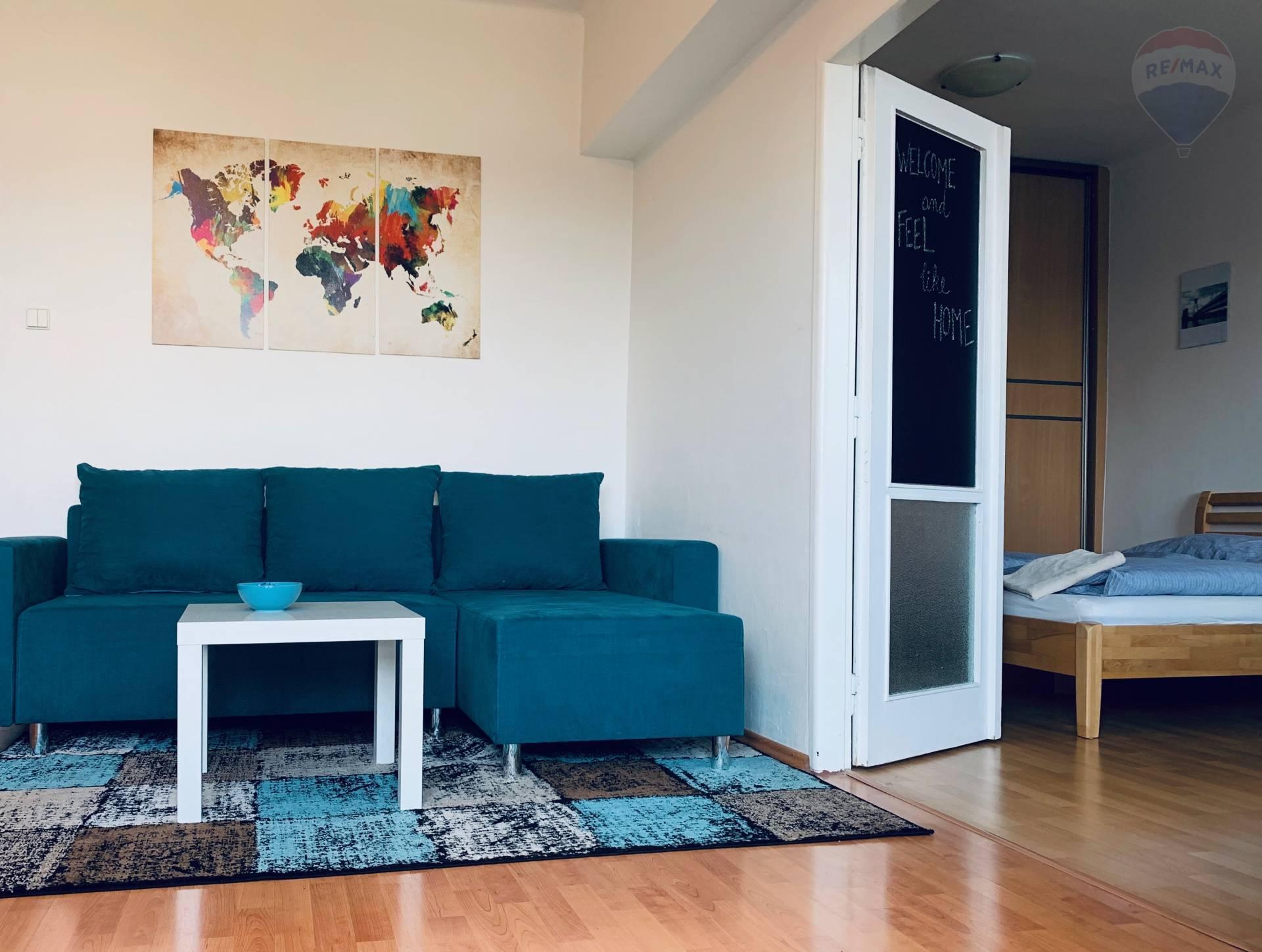 3 izbový tichý zariadený byt s balkónom na prenájom v Starom Meste