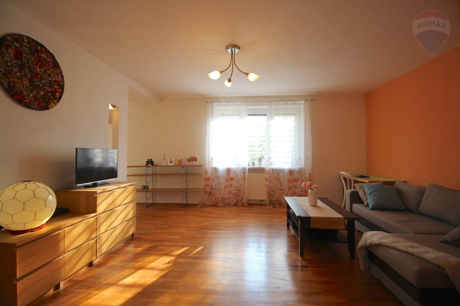 Na prenájom krásny tehlový 2 izbový byt na Oravskej ulici 11