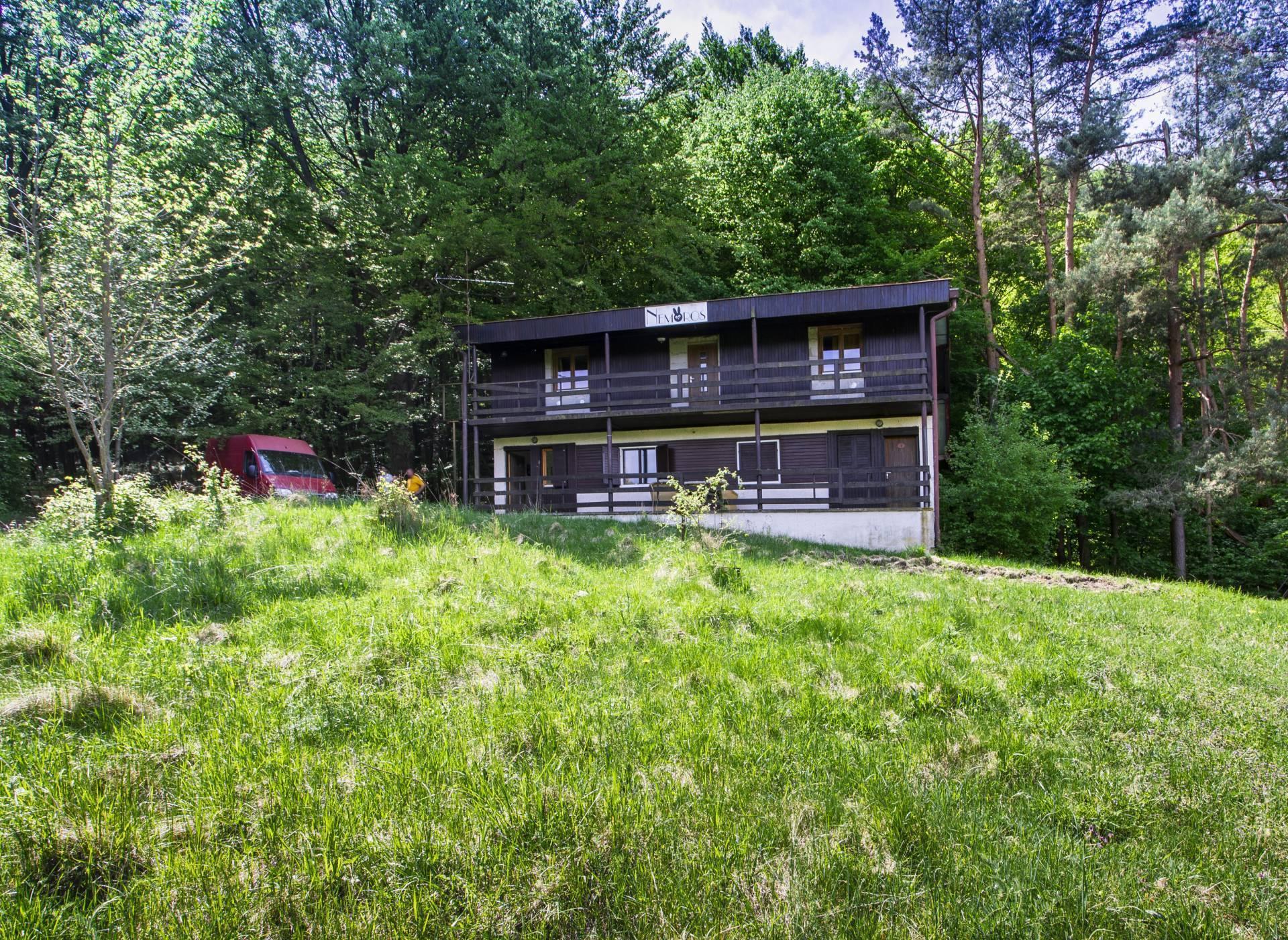 PREDAJ:Zrekonštruovaná chata s 3 apartmánmi  v Štiavnických vrchoch153m2,obec Sklené Teplice