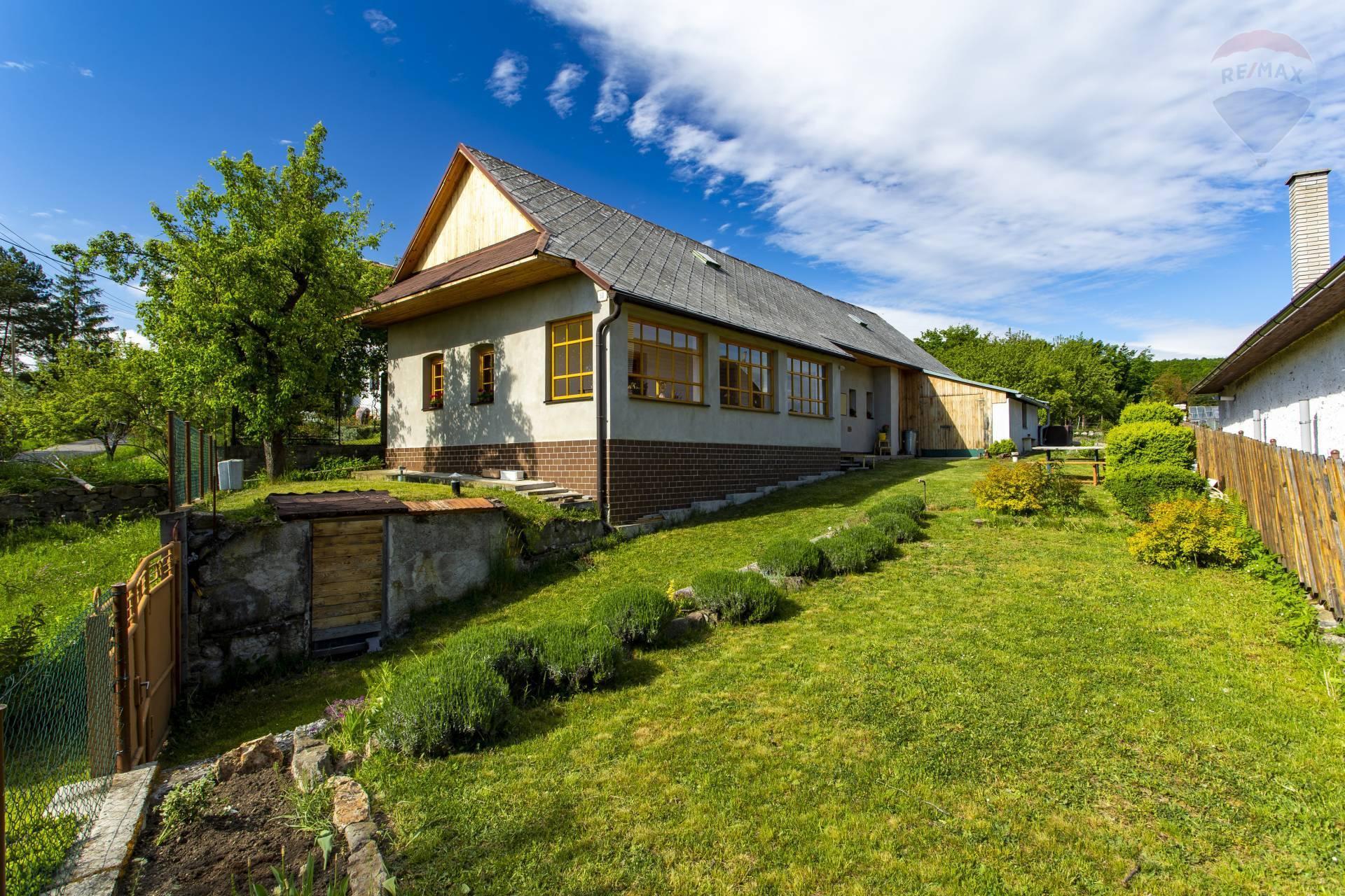 PREDAJ: Krásny vidiecky dom100m2 so záhradou, obec Slaská, Žiari nad Hronom