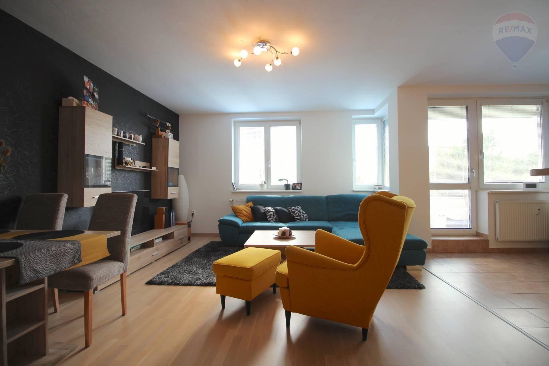 Na predaj 3 izbový byt s lodžiou na Pínovej ulici