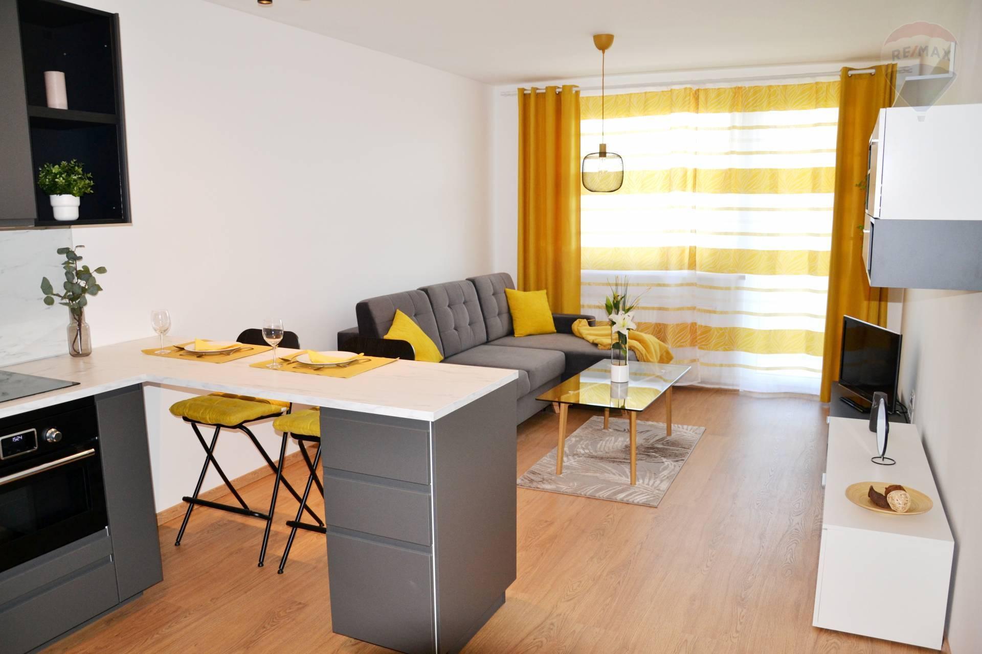 PRENÁJOM: 2 izbový byt s parkovacím státim, NOVOSTAVBA, Kramáre