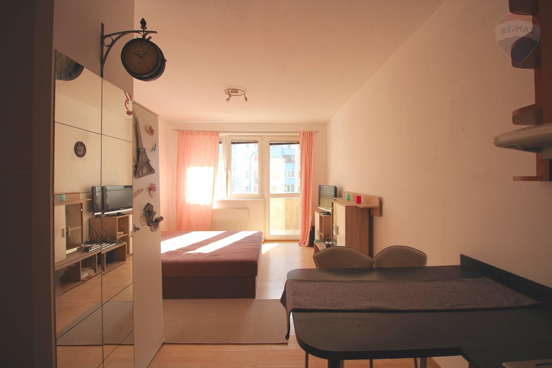 Na prenájom byt na Švabinského ulici v Petržalke