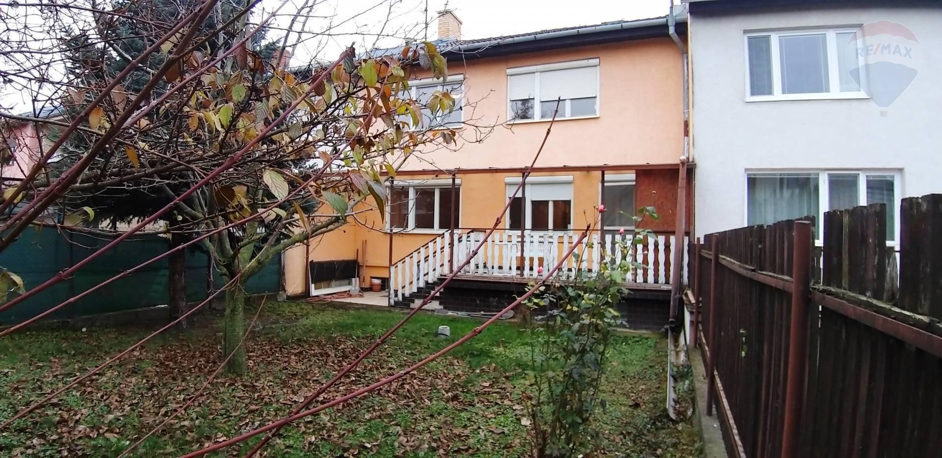 PREDAJ: veľký rodinný dom, Krátka ulica, Dunajská Streda