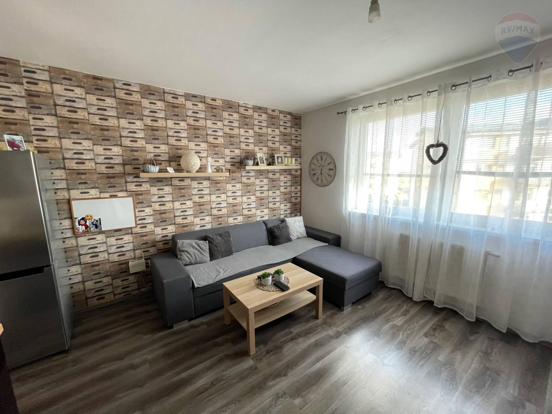 PREDAJ, 2 izbový byt, Most pri Bratislave