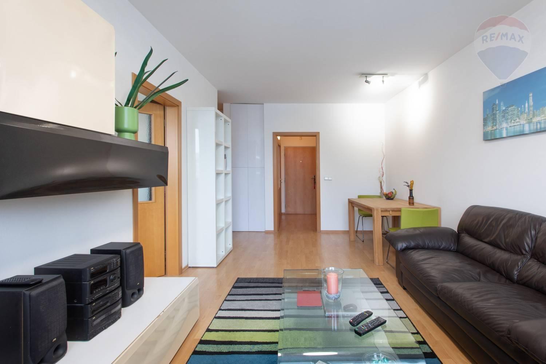 Predaj bytu (2 izbový) 54 m2, Bratislava - Karlova Ves - 2 izbový byt Karlova Ves