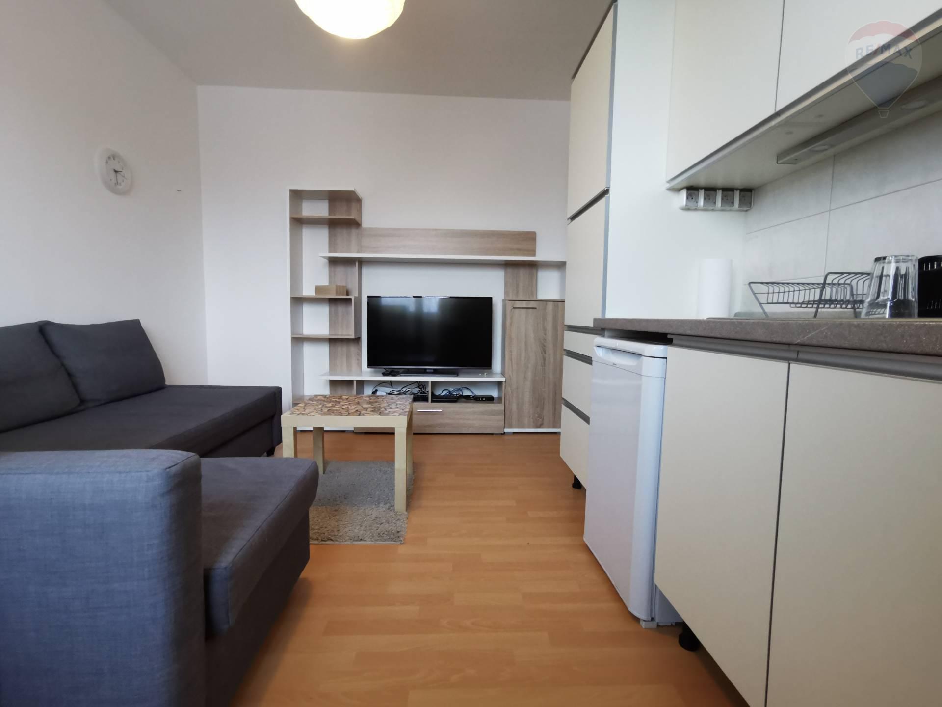 Prenájom menšieho 2 izb. bytu v tehlovej nadsavbe na Hubeného ulici