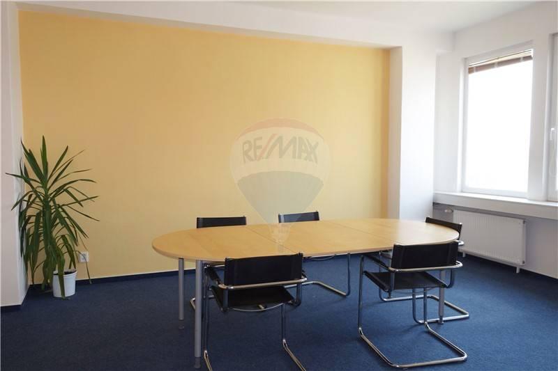Prenájom kancelárie od 18m2 - 1440m2 v administratívnej budove