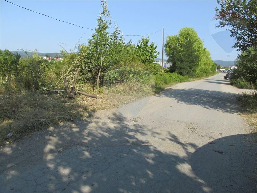 Predaj pozemok Pezinok - Šenkvická cesta