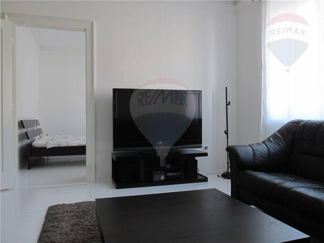 Prenájom bytu (3 izbový) 70 m2, Bratislava - Staré Mesto -