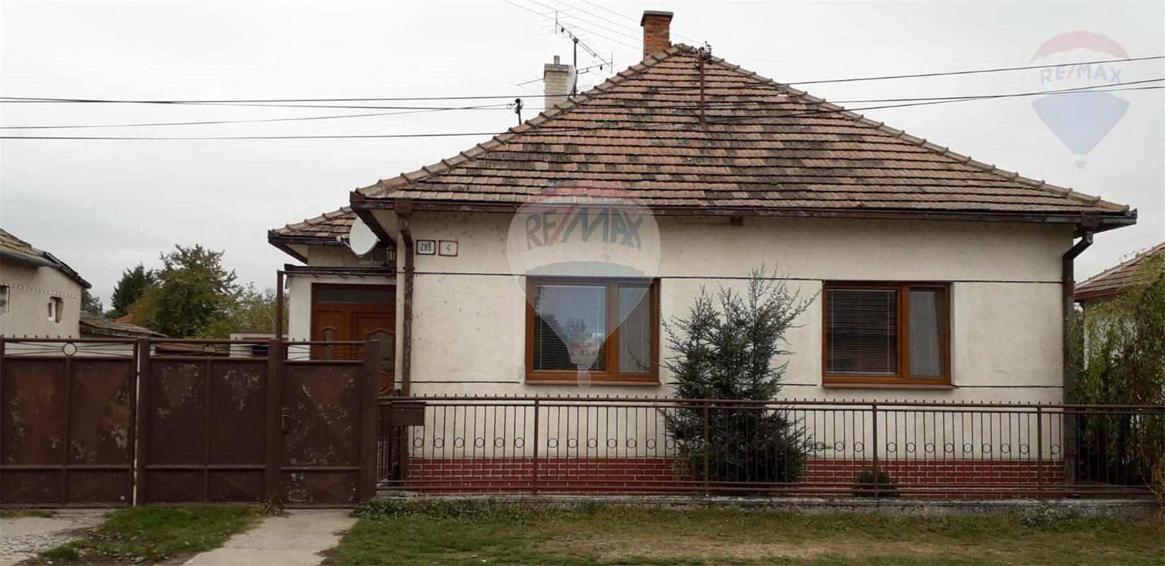 Predaj 4 -izbový dom v obci Pusté Úľany