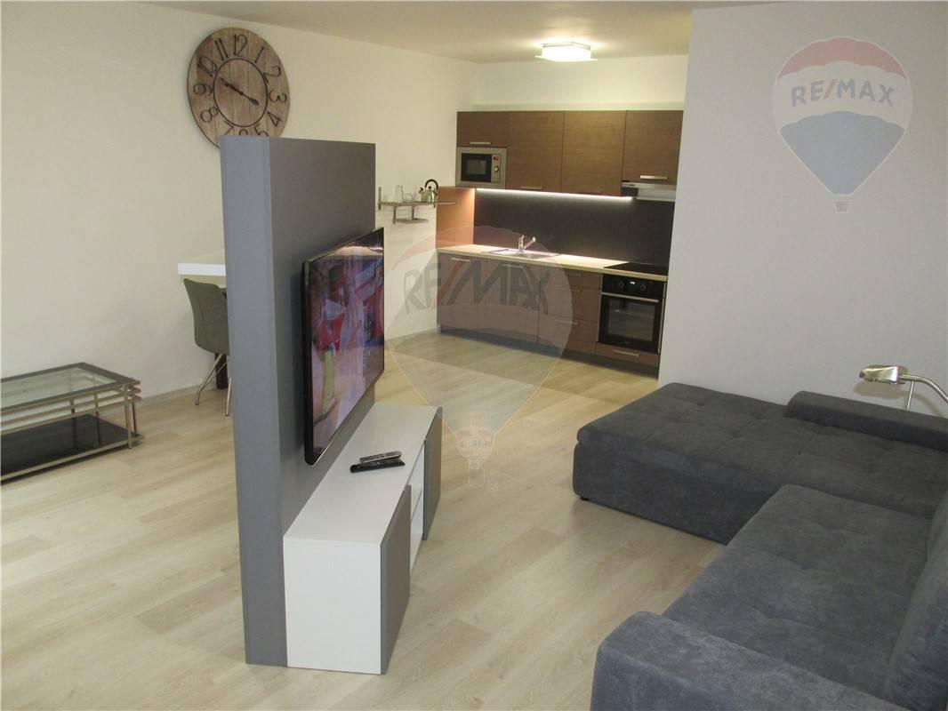 Prenájom bytu (1 izbový) 44 m2, Bratislava - Devínska Nová Ves -