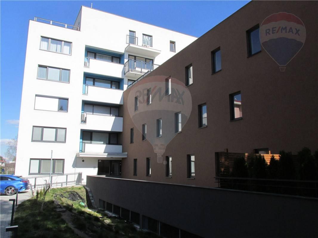 Prenájom 2 izb. byt - 58 m2 - Ružinov - Mierová ul.