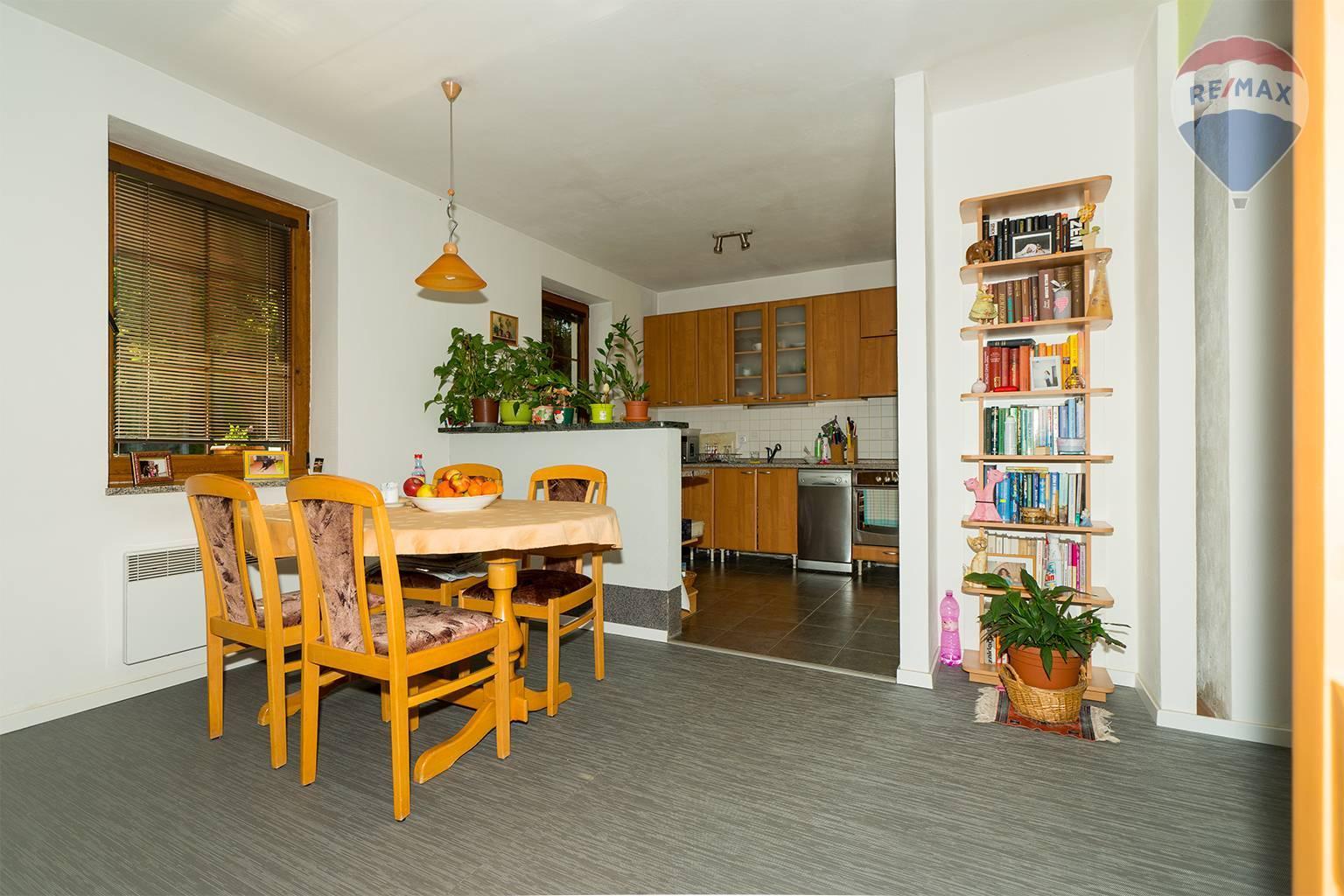 Predaj domu 136 m2, Liptovský Mikuláš - jedáleň