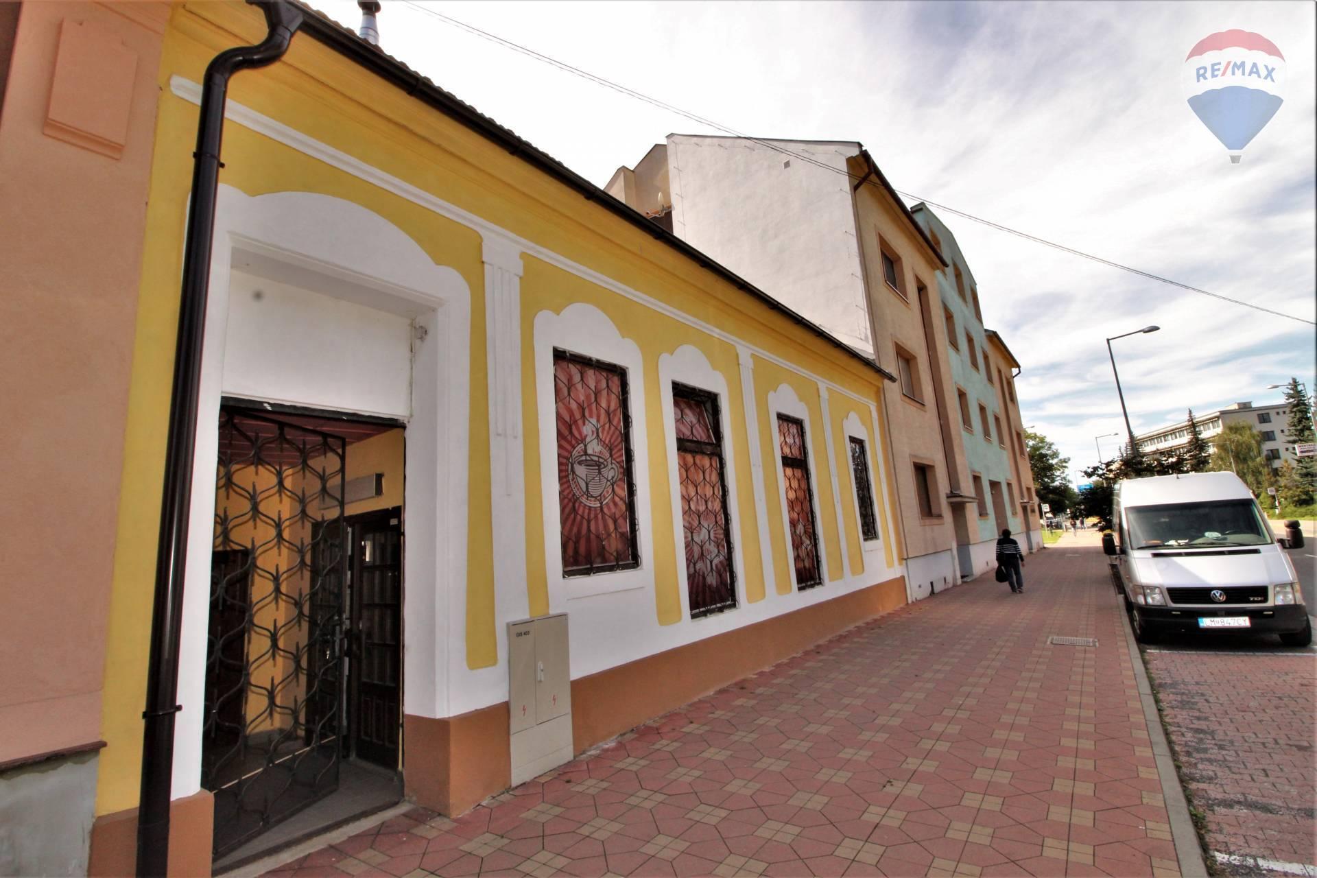 Na predaj dom- budova v centre, Liptovský Mikuláš