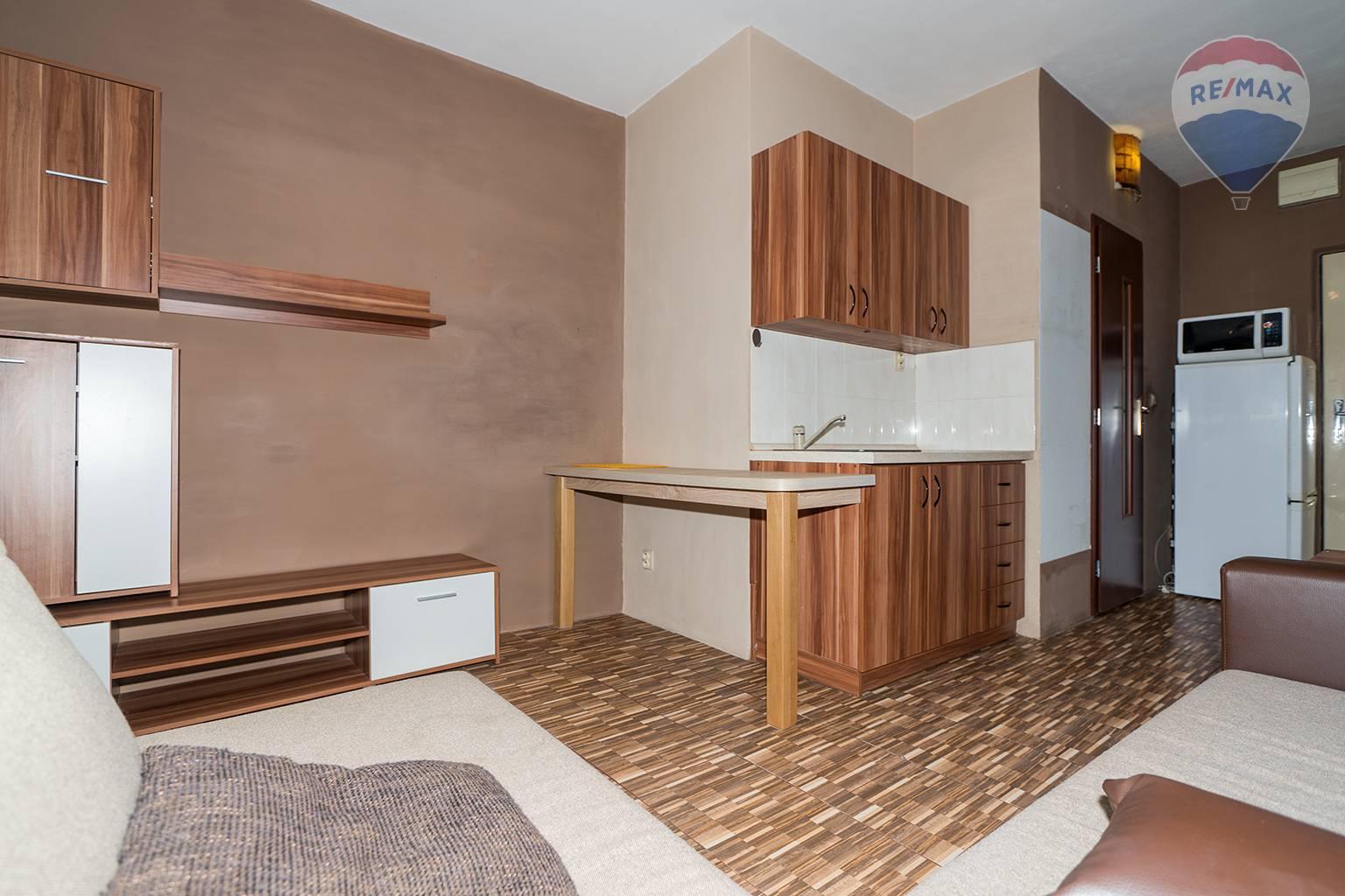 Rezervované: 1 izbový byt, Liptovský Mikuláš - Nábrežie