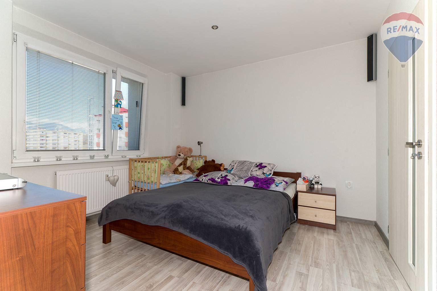 Nová cena: 3 izbový byt, Liptovský Mikuláš - Podbreziny