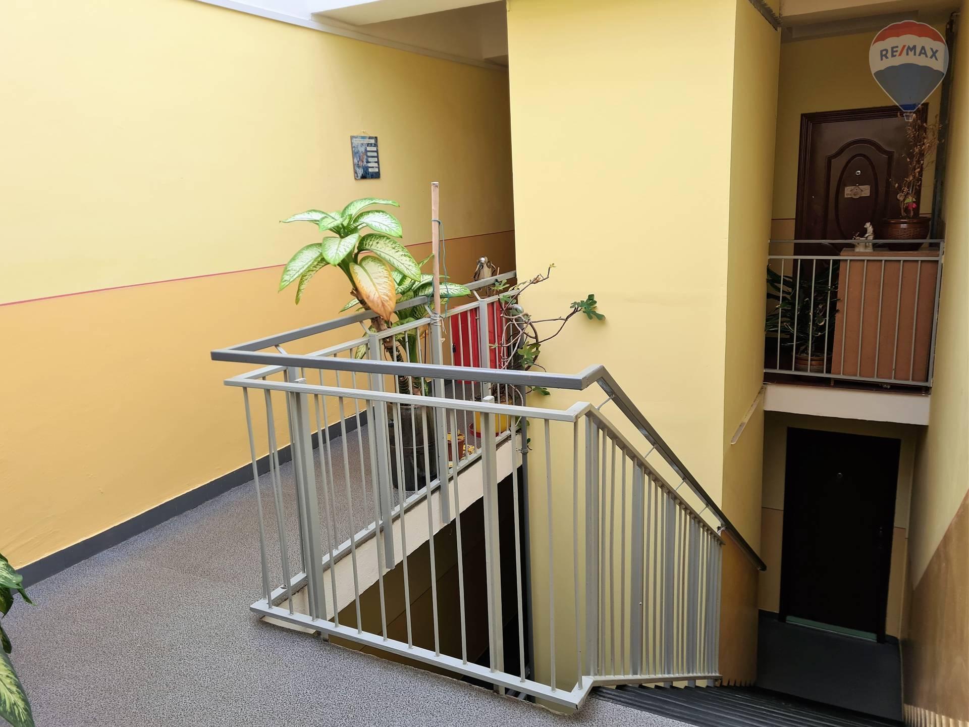 Predaj bytu (3 izbový) 77 m2, Liptovský Mikuláš - schodisko