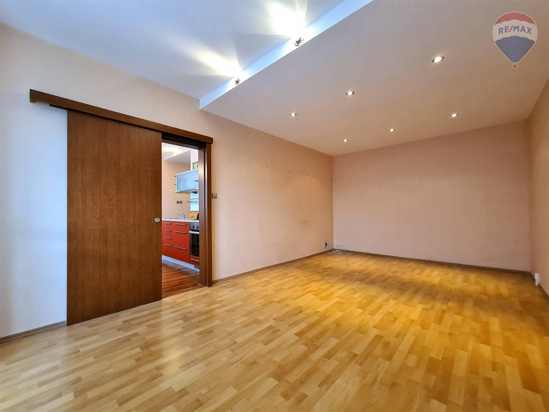 Na predaj 3 izbový byt po rekonštrukcii v Liptovskom Mikuláši