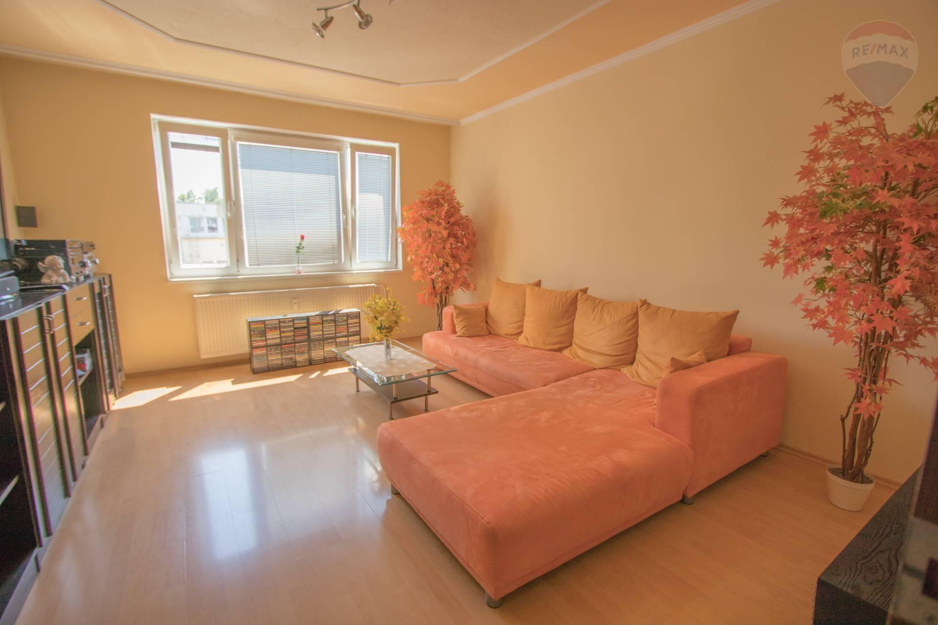 Na predaj : 3 izbovy byt po rekonštrukcii v Bratislave