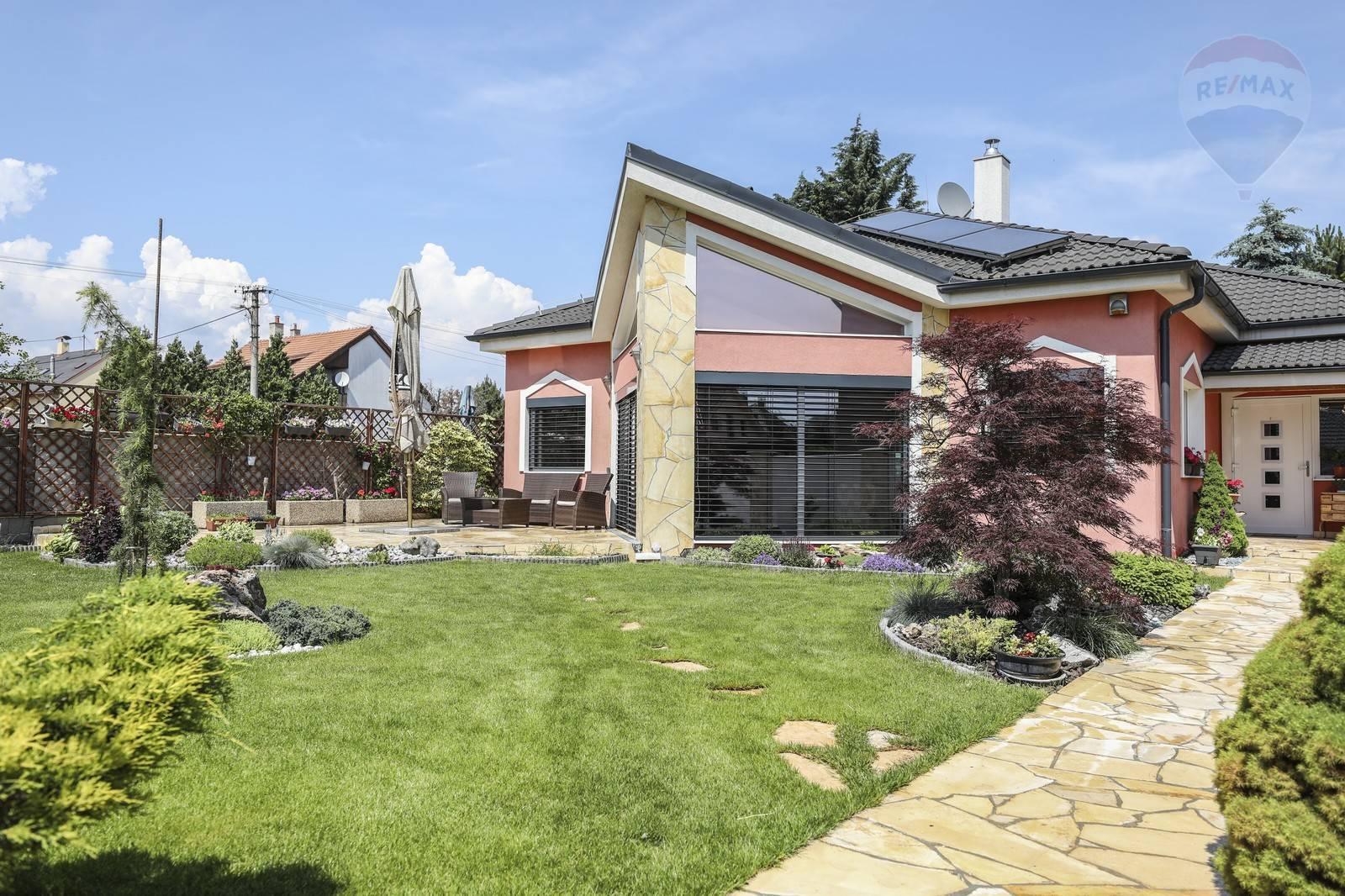 Predaj domu 246 m2, Bratislava - Vrakuňa -