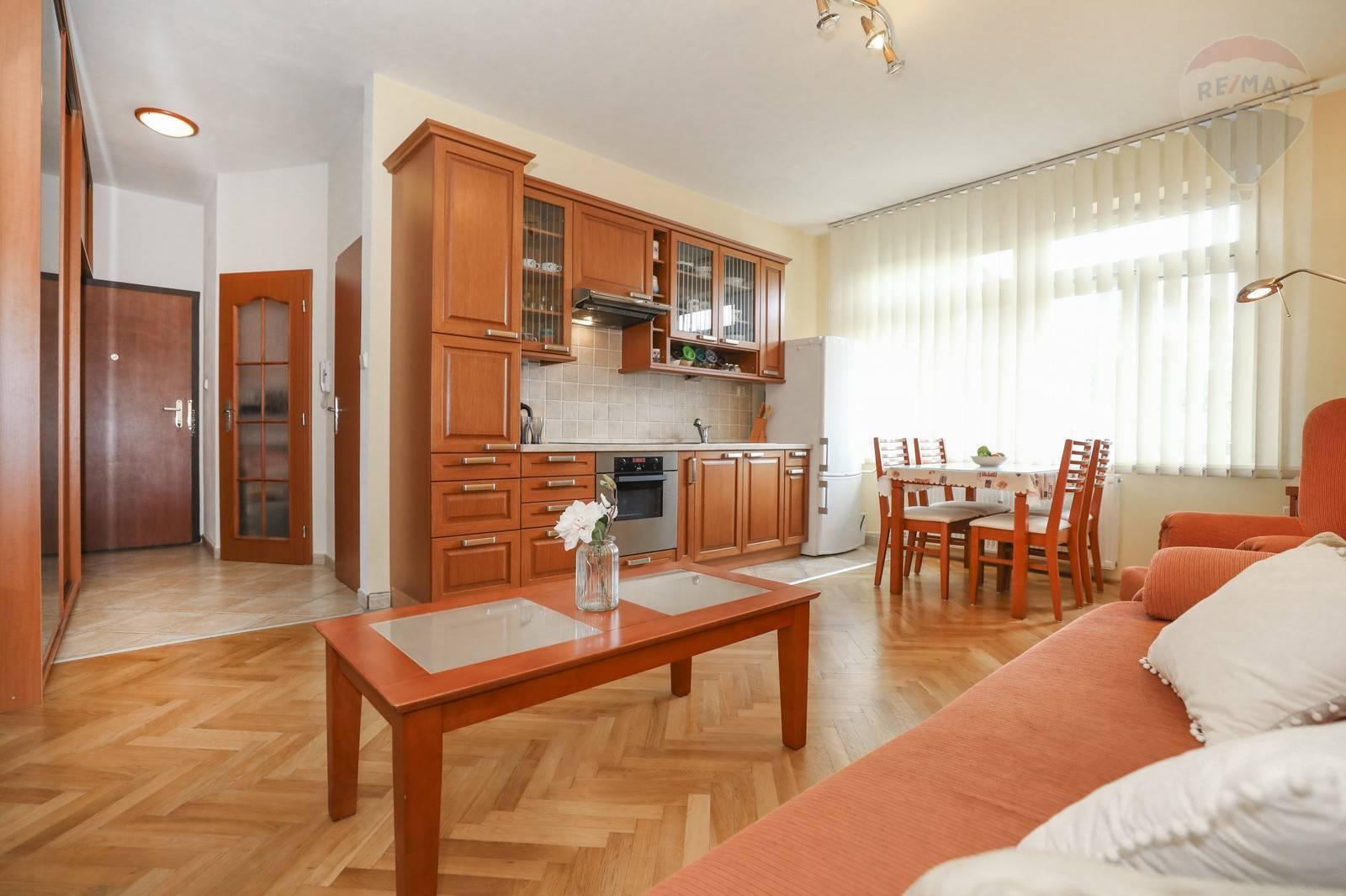 Predaj bytu ( 1,5 izbový ) 35m2, Bratislava - Staré Mesto