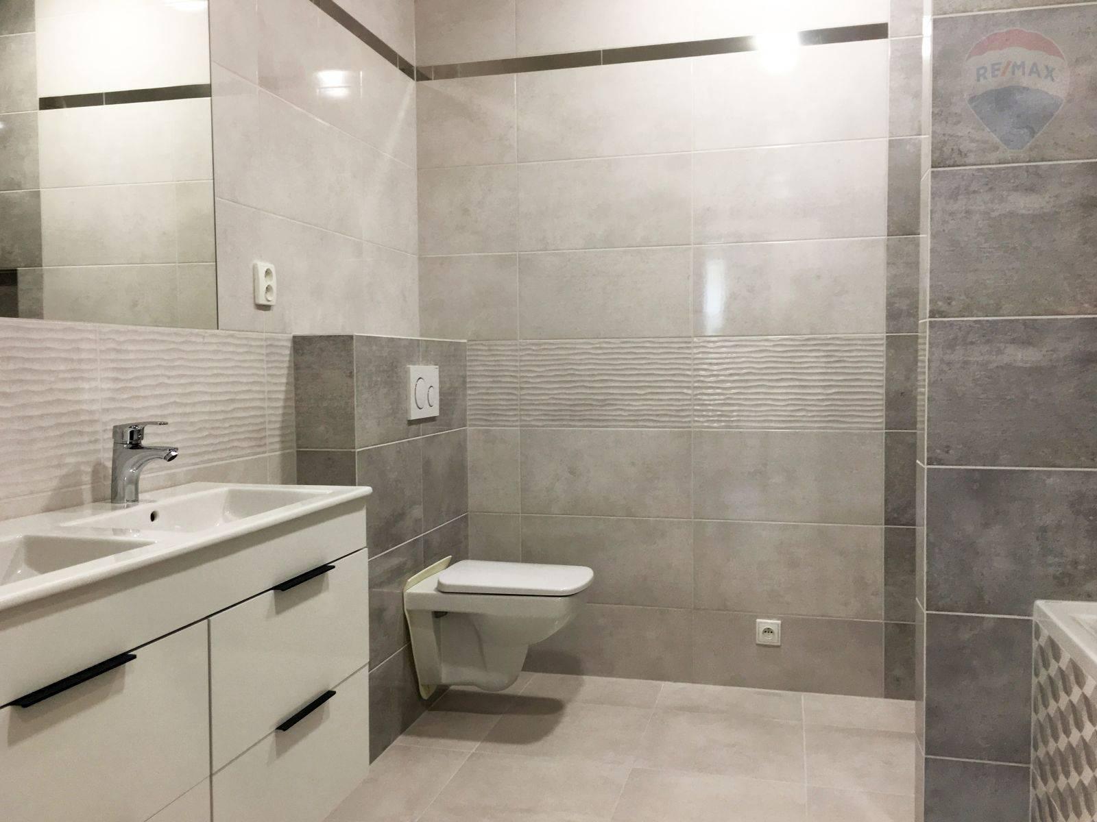 Predaj domu 100 m2, Šamorín - Rodinný dom Mliečno - kúpeľňa